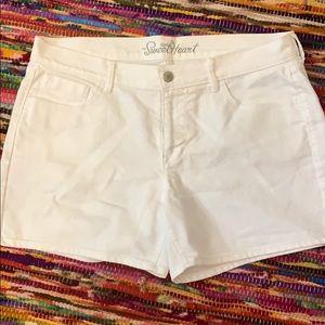 Old Navy white denim shorts
